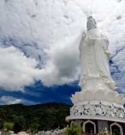 buddha statue in son tra peninsula