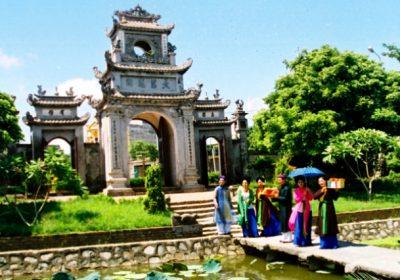 Đền Mẫu – Chùa Chuông – Đền Trần Thái Bình – Đền Tiên La 1 ngày